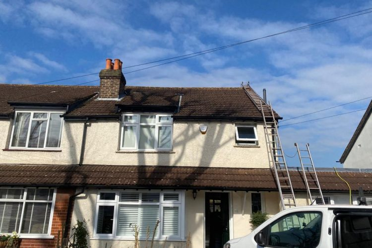 roof-tile-cleaning.-roofanddrivewaycleaning.co_.uklondon.-Latitude-51.6167-Longitude-0.2167